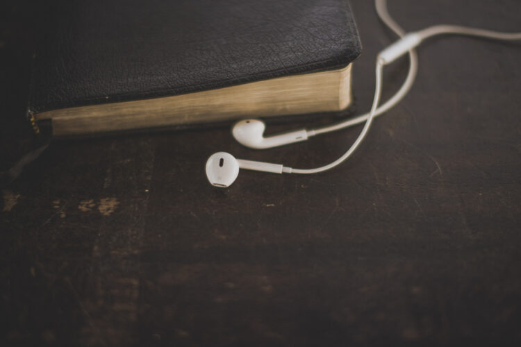 Bible:Earbuds